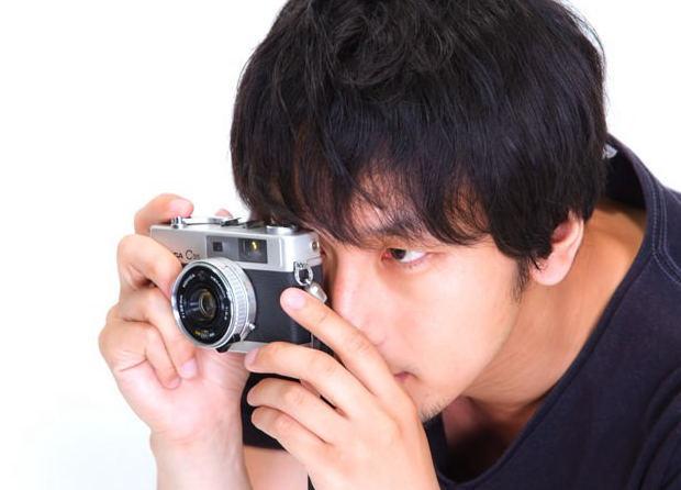 写真が趣味のカメラ男子に!本物と間違えそうなレンズ型マグはいかが